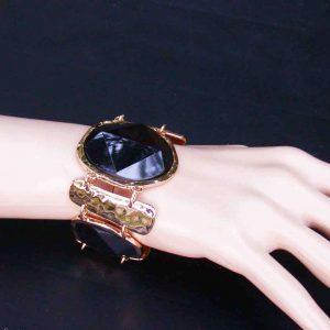 175-Wide-Faceted-Black-Lucite-Beads-Golden-Hammered-Metal-Statement-Bracelet-172001273561