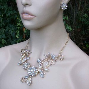 Floret-Bib-Necklace-Earrings-Set-Faux-Pearls-Lucite-Rhinestone-Pageant-Bridal-361213228963