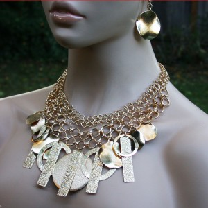 Bright-Gold-Tone-Textured-Charms-Bib-Necklace-Earrings-Pageant-Belly-Dance-361543884005