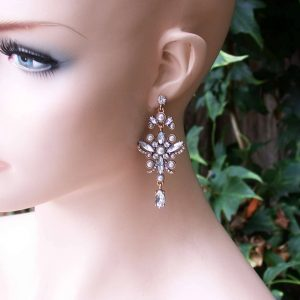 Vintage-Inspired-Earrings-Clear-Lucite-Crystals-Faux-Pearls-Pageant-Bridal-361476797236