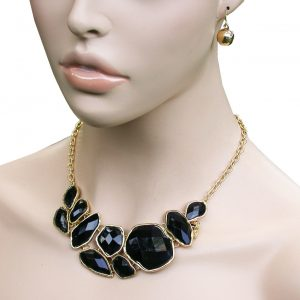 Multifaceted-Black-Lucite-Beads-Classic-Bib-Necklace-Earrings-Set-Gold-Tone-172696926817
