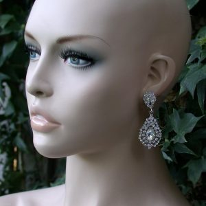 25-Drop-Clear-Rhinestones-Elegant-Clip-On-Earrings-Drag-Queen-BridalPageant-172124644998