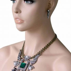 Deco-Style-Wings-Clear-Crystals-Green-Lucite-Statement-Bib-Necklace-Earrings-Set-172483444599